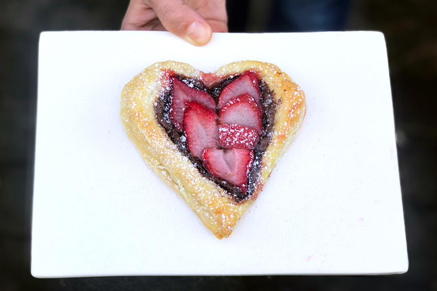 Easiest 3-Ingredient Nutella Heart Tarts for Valentine's Day: a quick and delicious treat that's easy to make for the whole family. | Cool Mom Eats