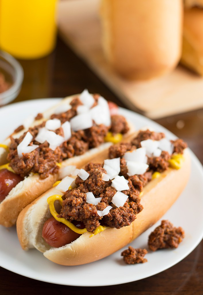 Super Bowl recipes that satisfy your game day cravings and also serve as dinner: Easy homemade Chili Dogs | Savory Spicerack