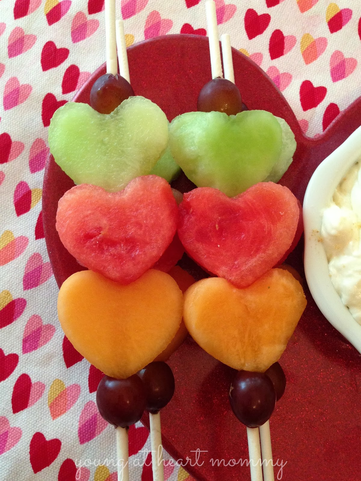 Last-minute lunch box treats for Valentine's Day: Valentine Fruit Kabobs | Young at Heart Mommy