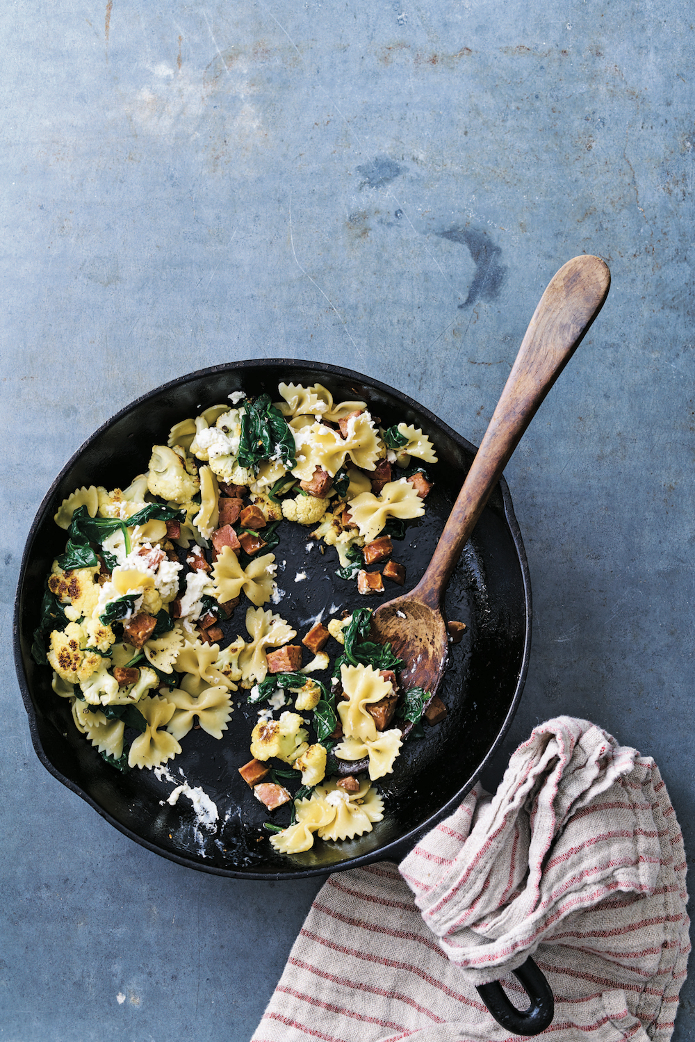 Big Skillet Cauliflower Pasta from the new cookbook we're obsessed with, Eating From the Ground Up by Alana Chernila   Cool Mom Eats