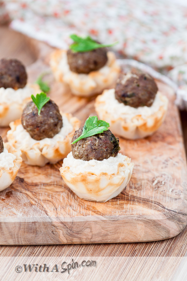 Make-ahead Easter brunch recipes: Mini Hummus and Lamb Tarts | With a Spin