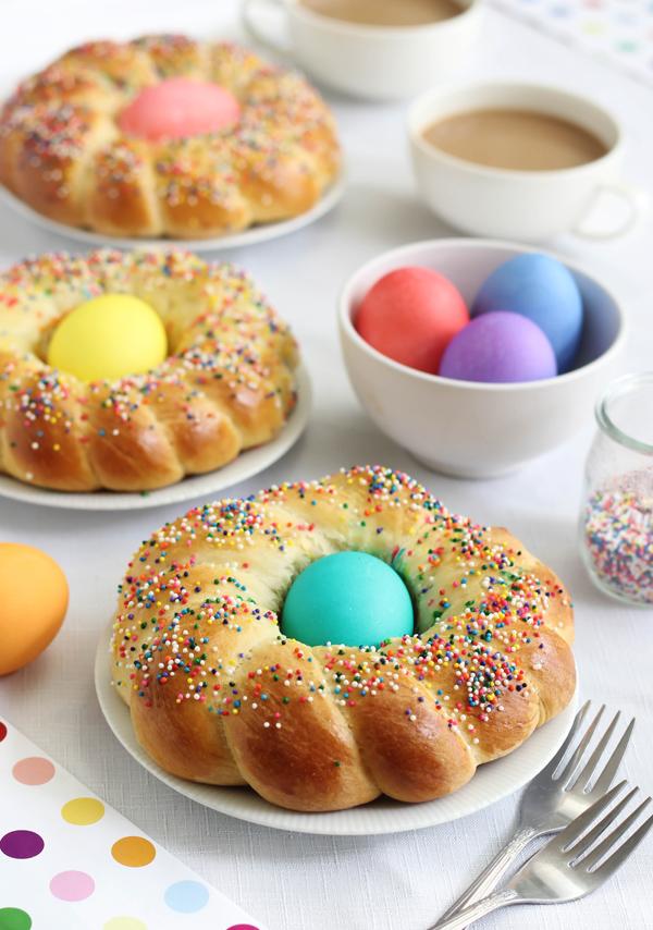 Make-ahead Easter brunch recipes: Italian Easter Bread | Sprinkle Bakes