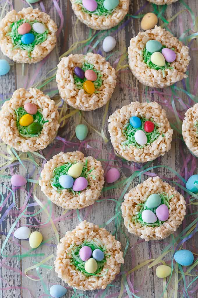 Easter cookies kids can make: Rice Krispie birds nests at Simply Stacie