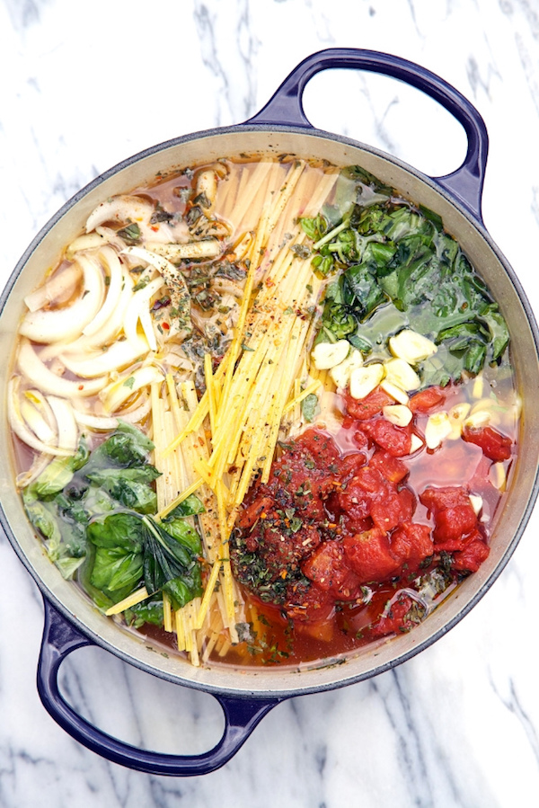 Cool Mom Eats weekly meal plan: One Pot Wonder Tomato Basil Pasta at Apron Strings