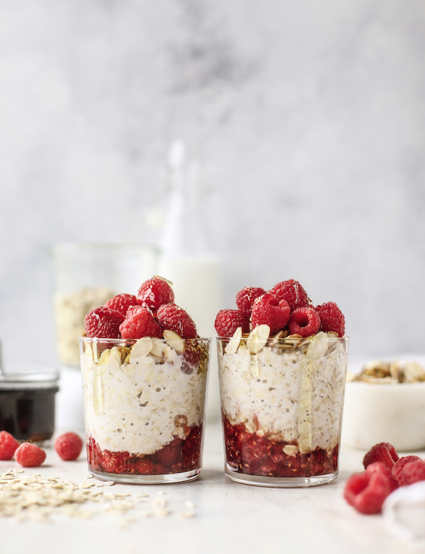 The Pretty Dish: Maple Raspberry Overnight Oats | Jessica Merchant