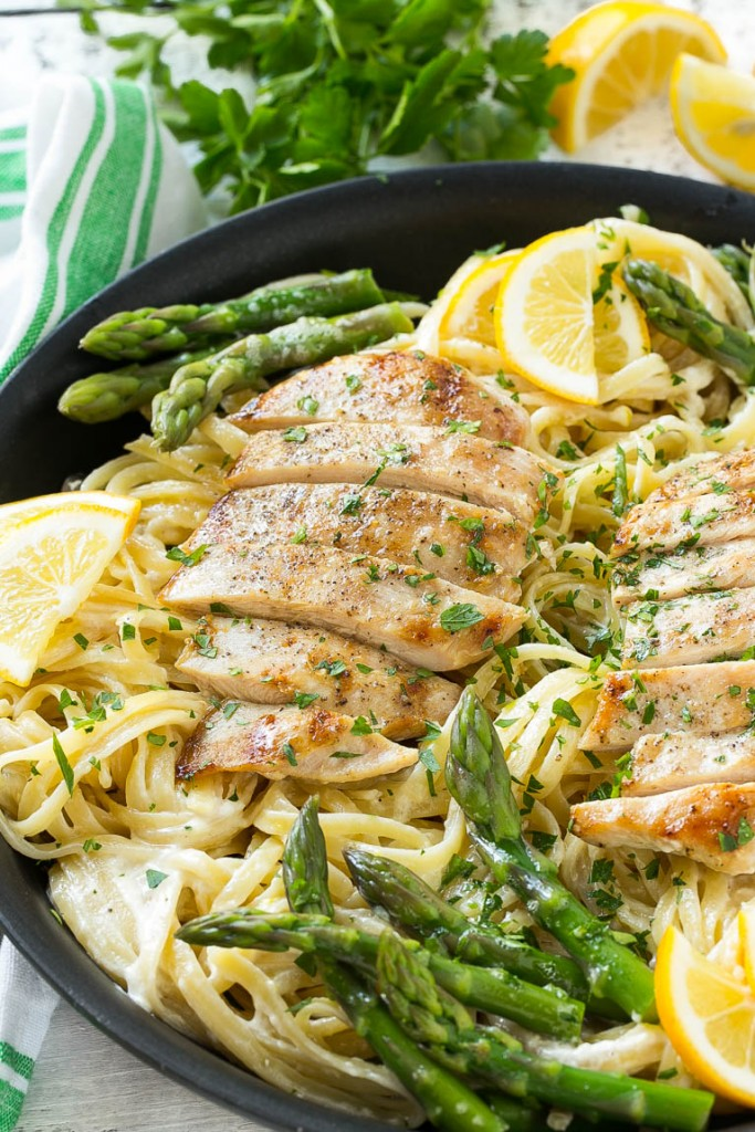 Cool Mom Eats weekly meal plan: Lemon Asparagus Pasta with Chicken | Dinner at the Zoo