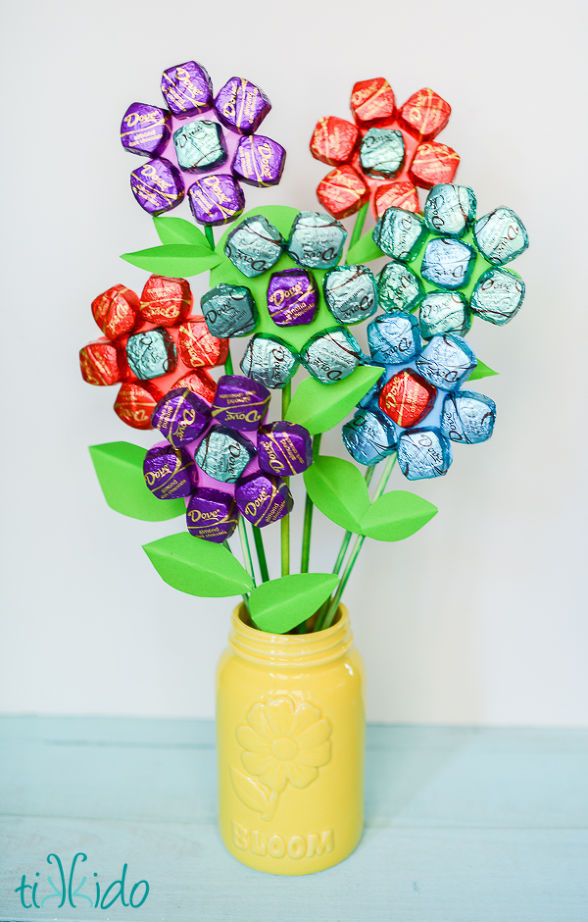 Edible Mother's Day gifts: Chocolate Bouquet at HomeTalk
