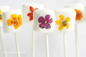 homemade edible Mother's Day gifts the kids can help make: Gorgeous floral marshmallow pops from The Decorated Cookie