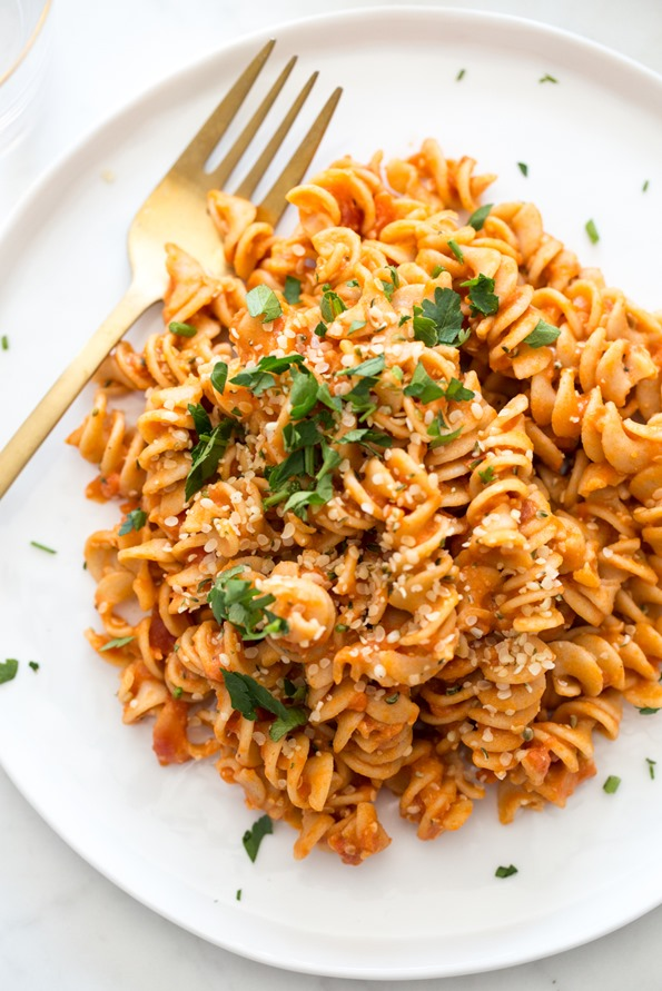 Budget-friendly dinners: Hummus Pasta | Oh She Glows