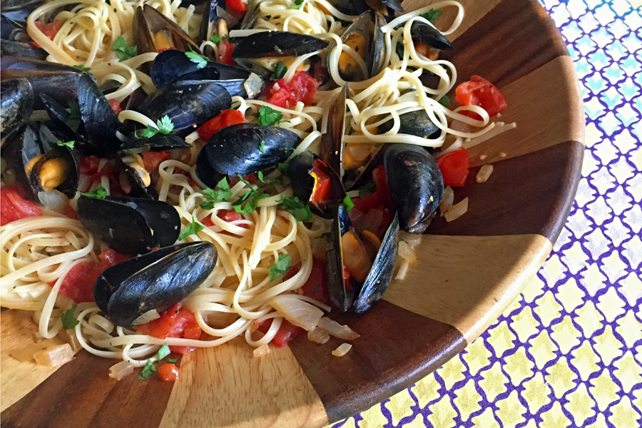Linguine alle cozze | Cool Mom Eats