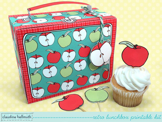 Teacher appreciation food gift idea: A cupcake in a retro lunchbox printable at Claudine Hellmuth