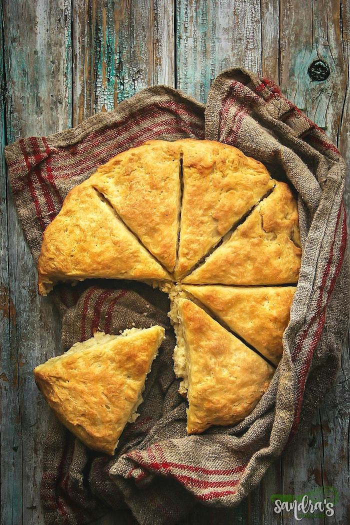Simple camping recipes: Dutch Oven Damper Bread at Sandra's Easy Cooking