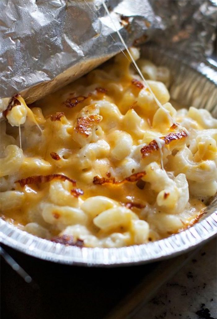 Simple camping recipes: Individual mac & cheese bowls at Lauren's Latest