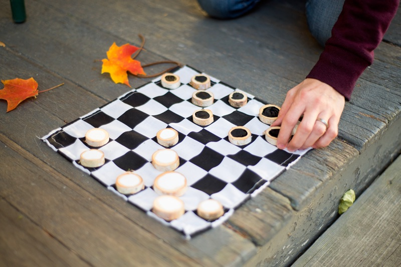 Creative camp care packages: DIY Checkers board with Oreos for pieces at Home Steady