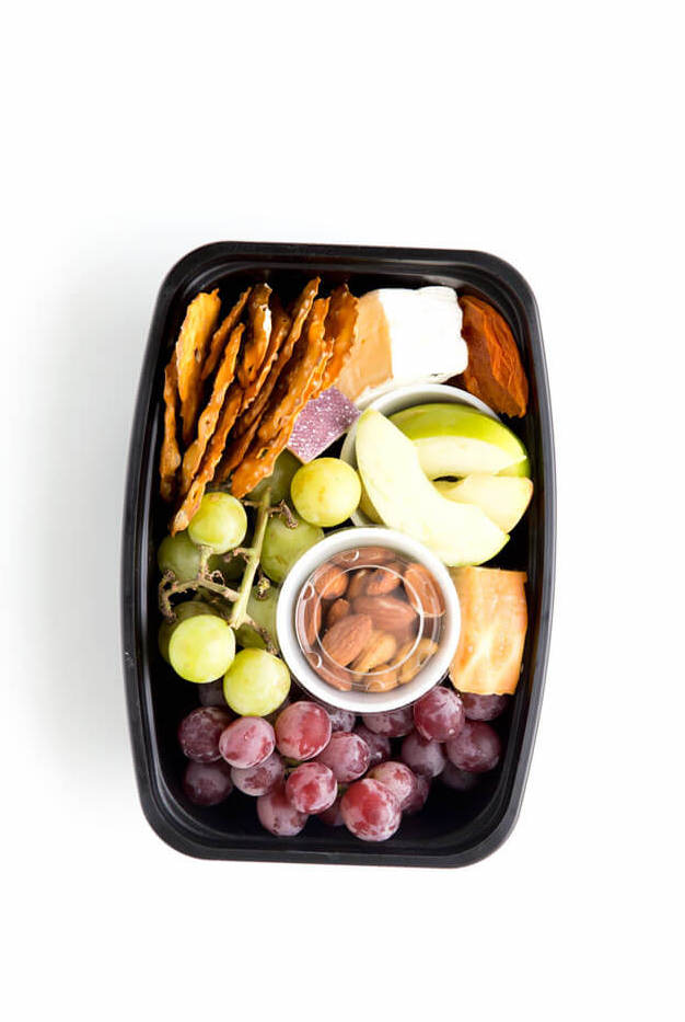 Cheese Tray Non-Sandwich School Lunch Ideas via EazyPeazy Meals