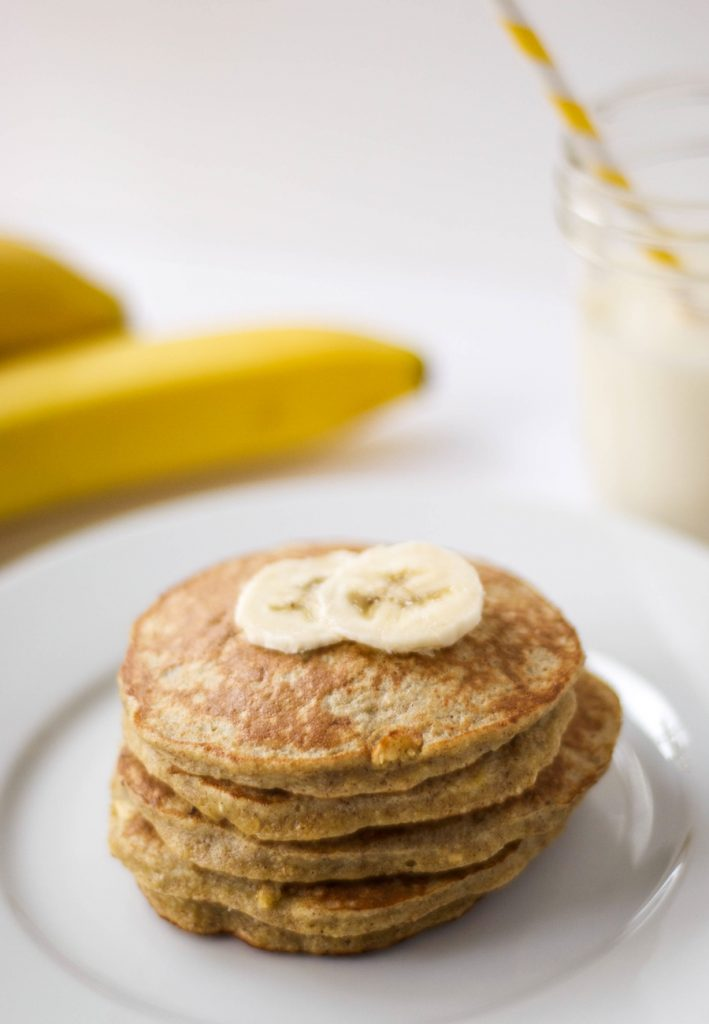 Gluten-free banana oatmeal protein pancakes from the Wholesome Fork: A clever non-sandwich lunch box idea for school. (Yes, lunch!)