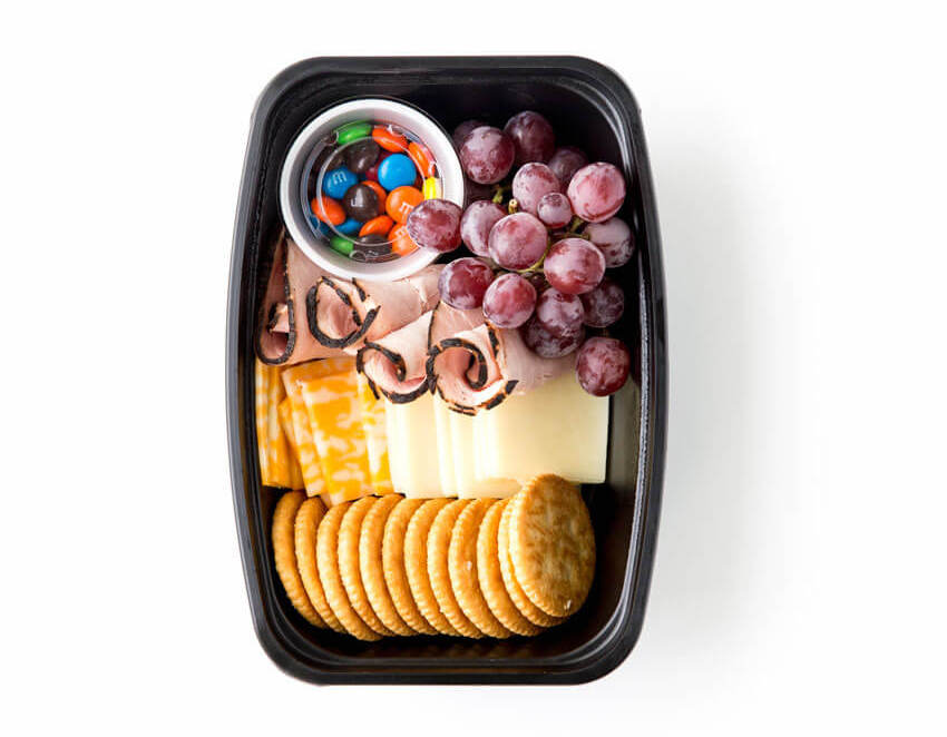 Picky eater school lunch fixes: DIY your own lunchables, for those who refuse to eat anything but, like this one at Eazy Peazy Mealz
