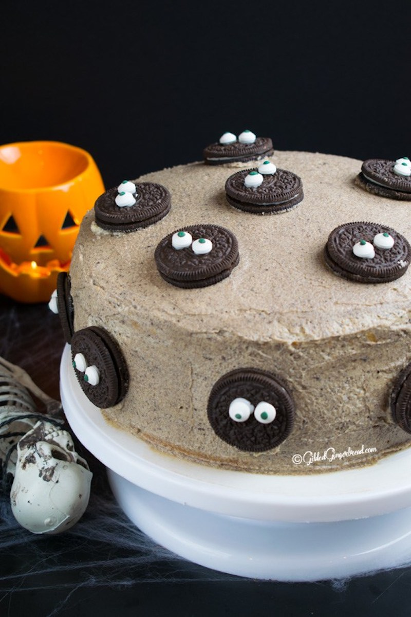 Semi-homemade Halloween party treats you can make last-minute: Cookies and Cream cake at Gilded Ginger Bread