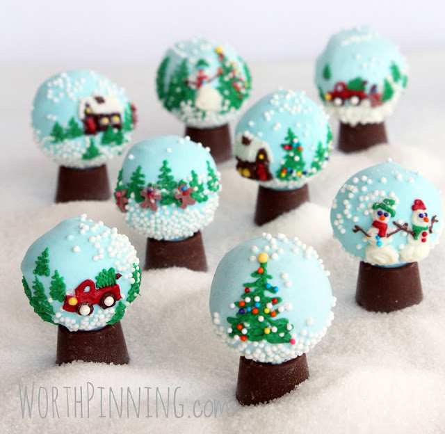 Holiday cookie balls to make with the kids: Cookie ball snow globes at Worth Pinning