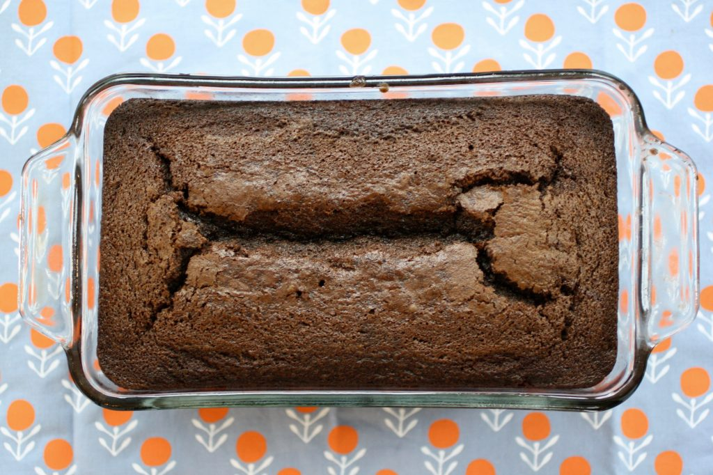 A perfect holiday cake recipe to gift hostesses (or anyone really!) | © Jane Sweeney Cool Mom Eats
