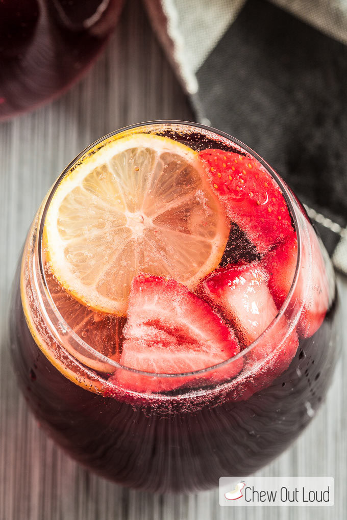 Champagne punch for New Year's Eve: Berry champagne punch | Chew Out Loud