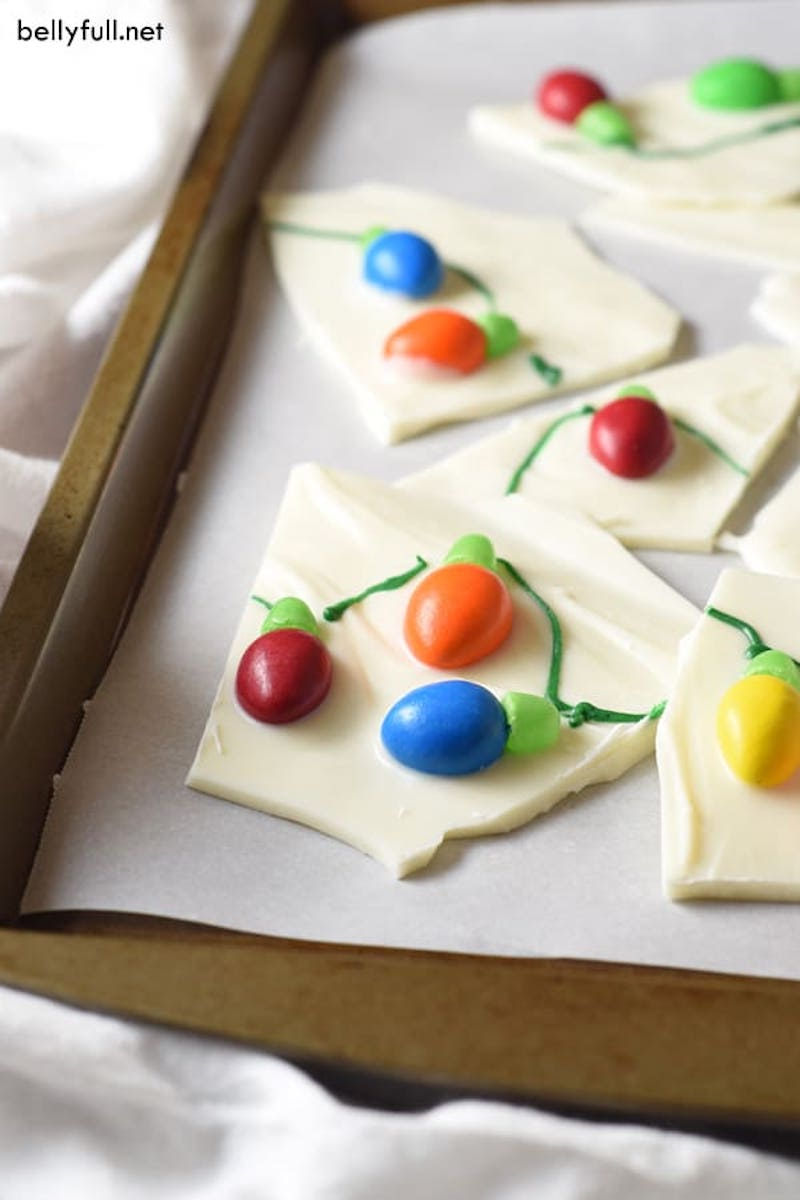 Creative Christmas bark recipes: Christmas Lights bark at Bellyfull