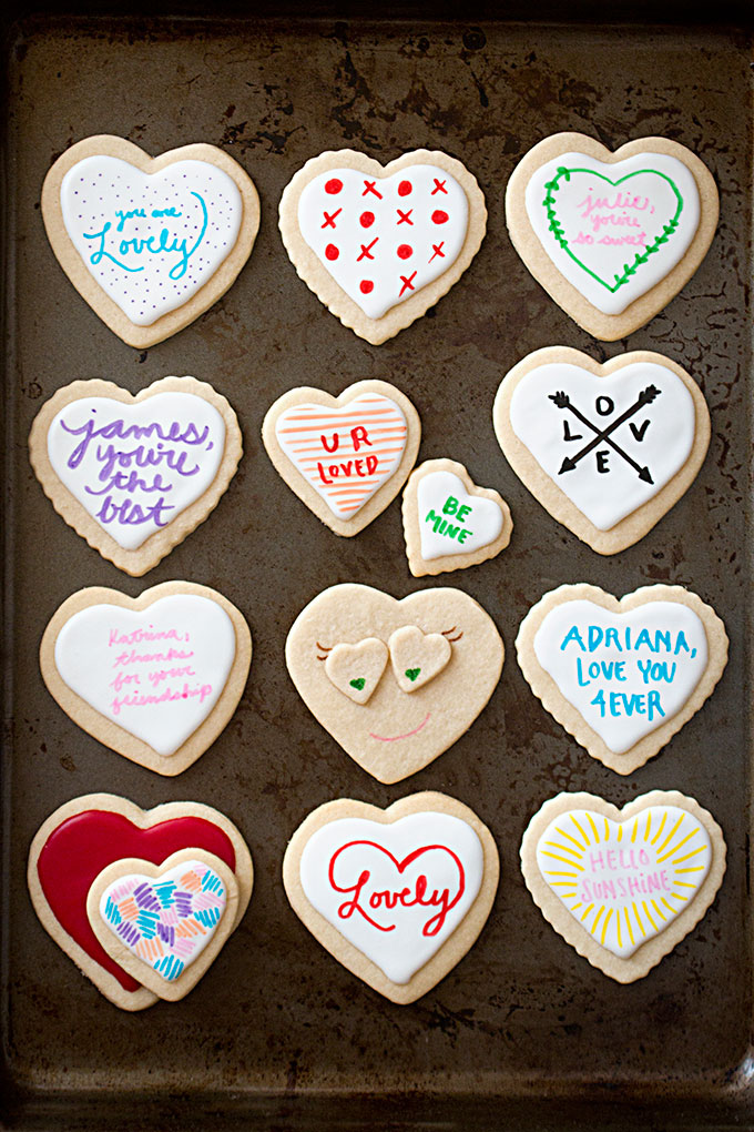 Easy ideas for decorating heart cookies with the kids for Valentine's Day: Heart to Heart cookies | Ever Mine