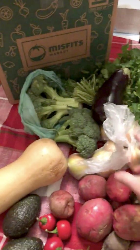 Misfit market unboxing: What comes in your order of ugly produce? | Cool Mom Eats