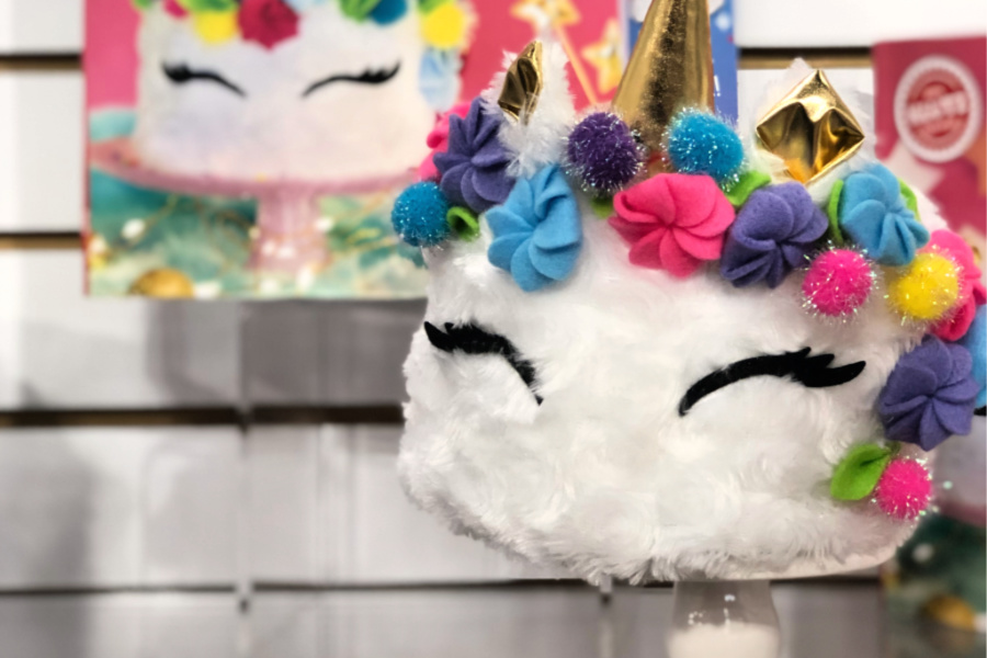 The cuddliest unicorn cake we've ever seen. 100% calorie free.