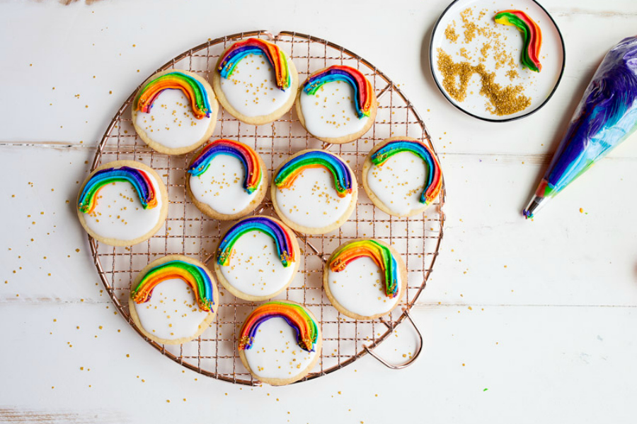 7 creative, cute rainbow desserts from easy to OMG. Perfect for St. Patrick's Day…or any day!