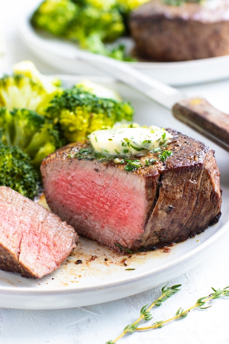 Romantic recipes for Valentine's Day dinner in: Perfect Filet Mignon at Evolving Table