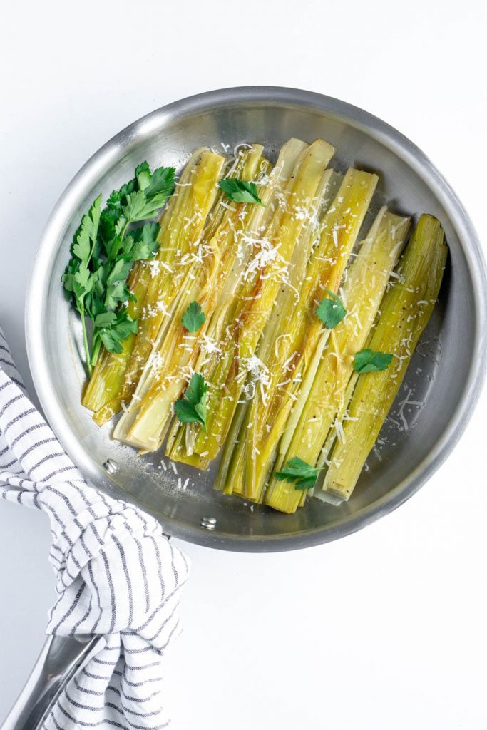 How to cook with leeks: White Wine Braised Leeks with Parmesan | Pina Bresciani