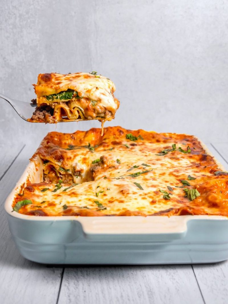 Weekly meal plan: Spinach & Beef Lasagna at Girl with the Iron Cast