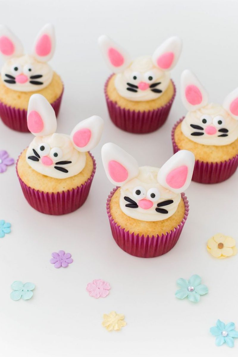 Easy Easter cupcake recipes: Easter Bunnies at Stylish Craving