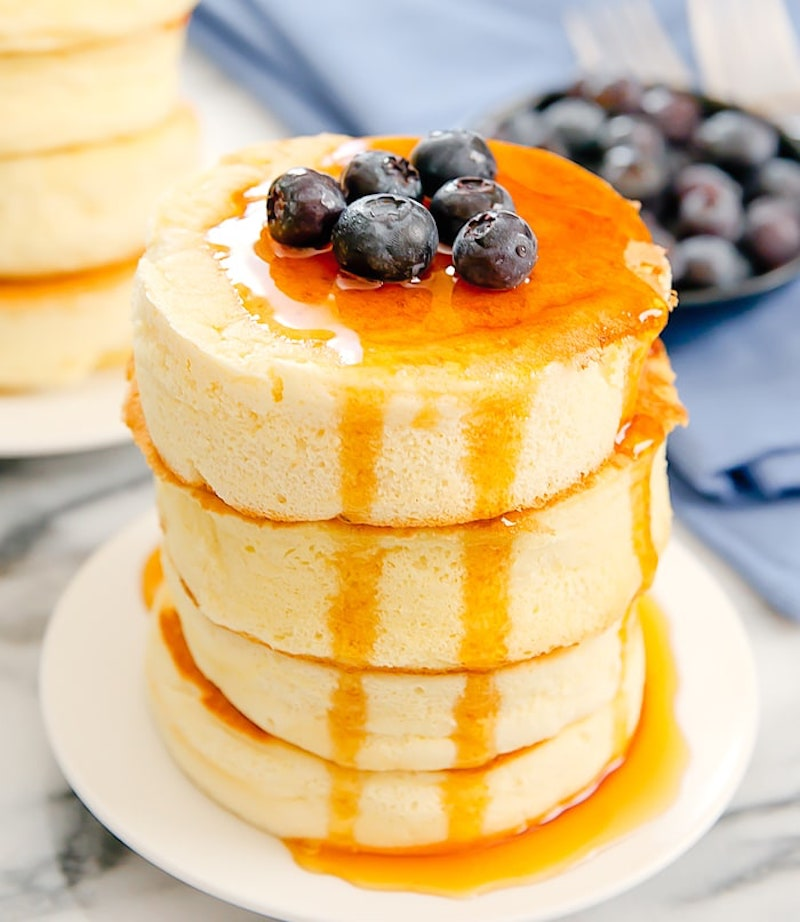 Japanese fluffy pancake recipes: Soufflé pancakes at Kirbie Cravings