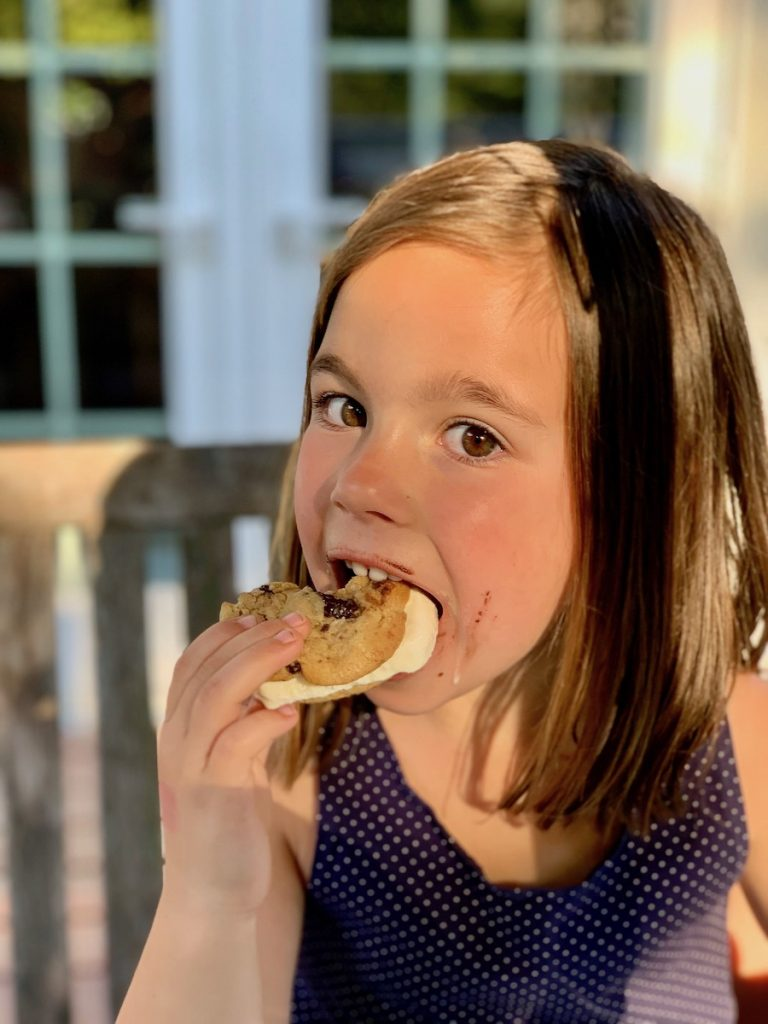 DIY ice cream cookie sandwiches for a summer win | © Jane Sweeney Cool Mom Eats