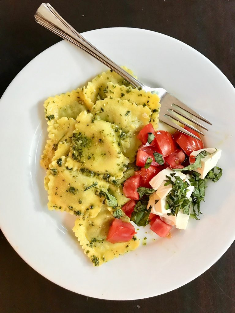 No-cook recipes using tomatoes and basil: Tortellini with Chopped Tomato and Basil | Jane Sweeney Cool Mom Eats