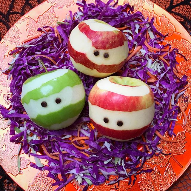 Easy Halloween treats on Instagram: Healthy apple mummies by Stacie Billis for cool mom picks