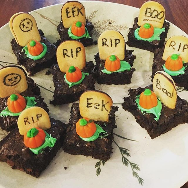 Easy Halloween treats on Instagram: Graveyard brownie treats by Christina for Cool Mom Eats