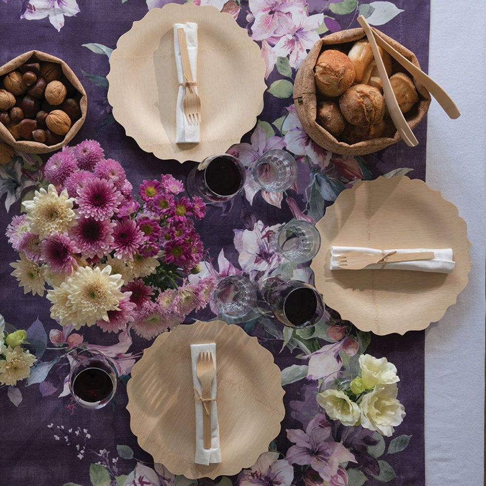 Eco-friendly table settings for Thanksgiving with Bambu compostable dishes