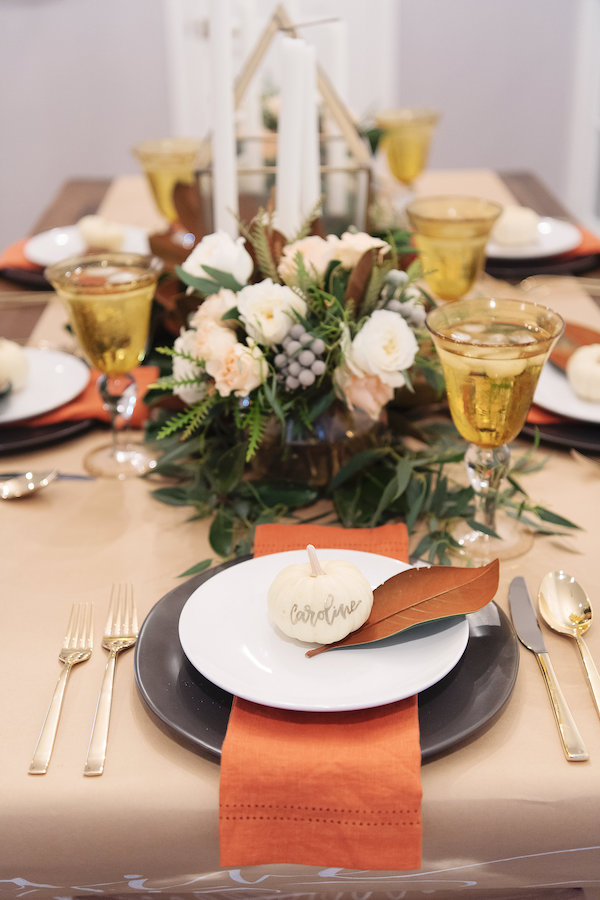 Eco-friendly table settings for Thanksgiving by The House of Harper