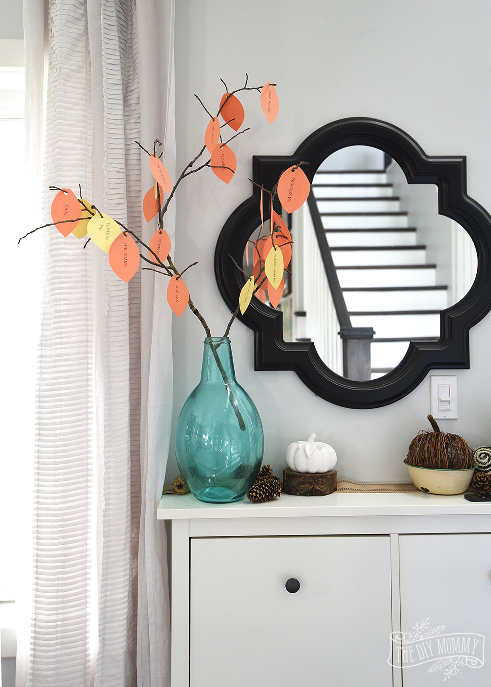 Eco-friendly Thanksgiving decor idea from DIY Mommy