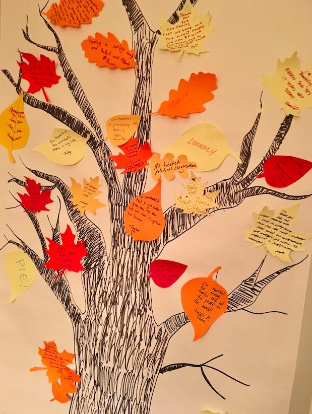 Eco-friendly Thanksgiving decor with a reusable Thankfulness tree