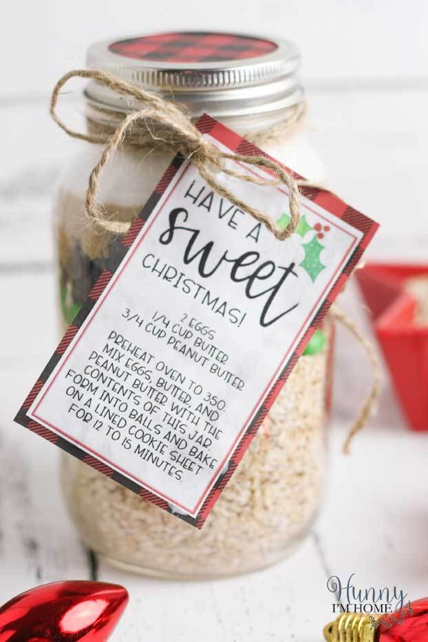 Gluten-free cookie mason jar gifts from Hunny I'm Home
