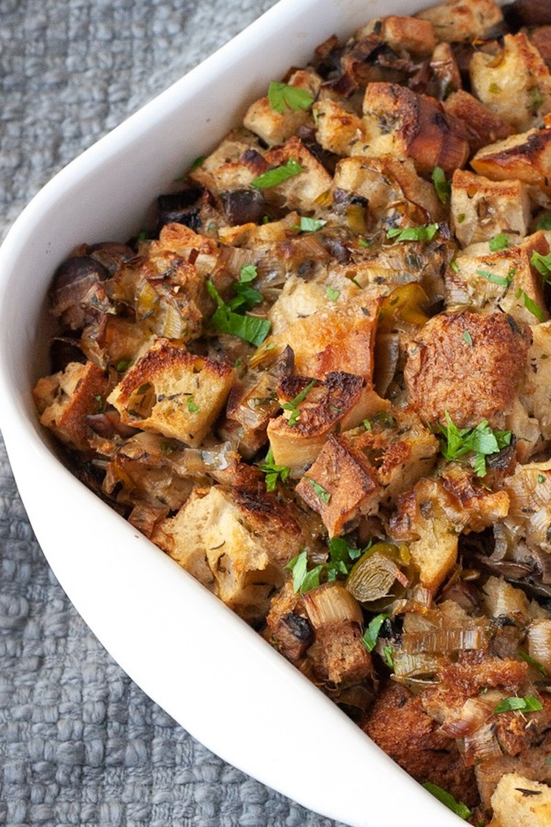 Vegetarian Thanksgiving recipes: Apple & Leek Stuffing at The Domestic Dietitian