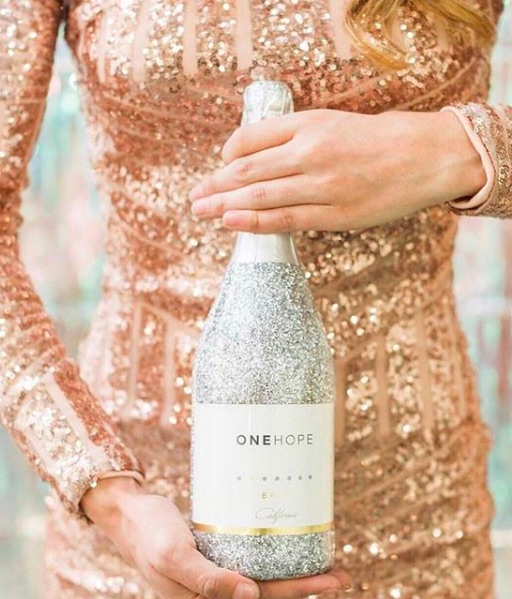 Food gifts that give back | One Hope Sparkling Wine with shimmer