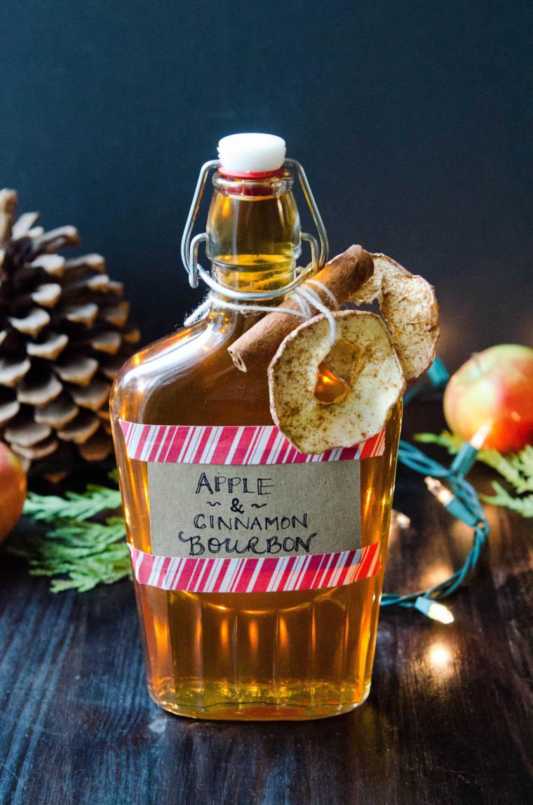 Apple Cinnamon homemade liqueur gift | The Kitchn