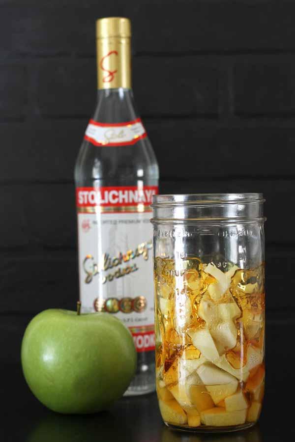 Caramel apple vodka homemade liqueur gift | The Shabby Creek Cottage