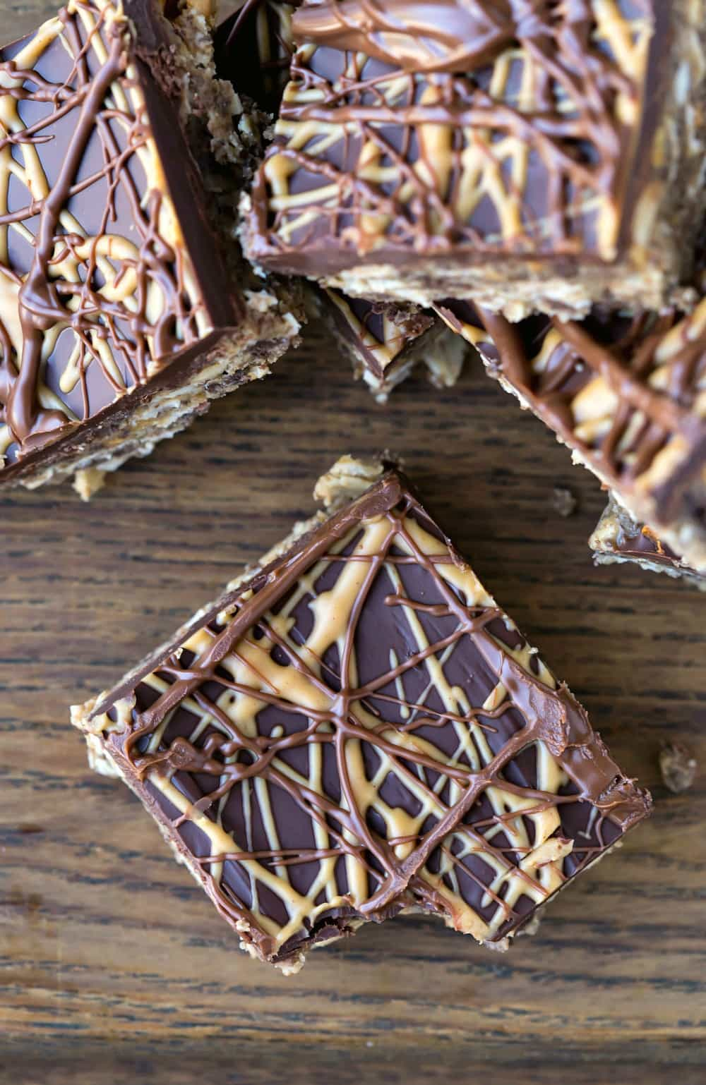 No-bake holiday cookie swap ideas: Peanut butter and chocolate cookie bars from I Heart Eating