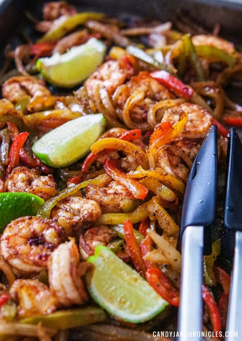 Weekly meal plan: Sheet Pan shrimp fajitas at Candy Jar Chronicles
